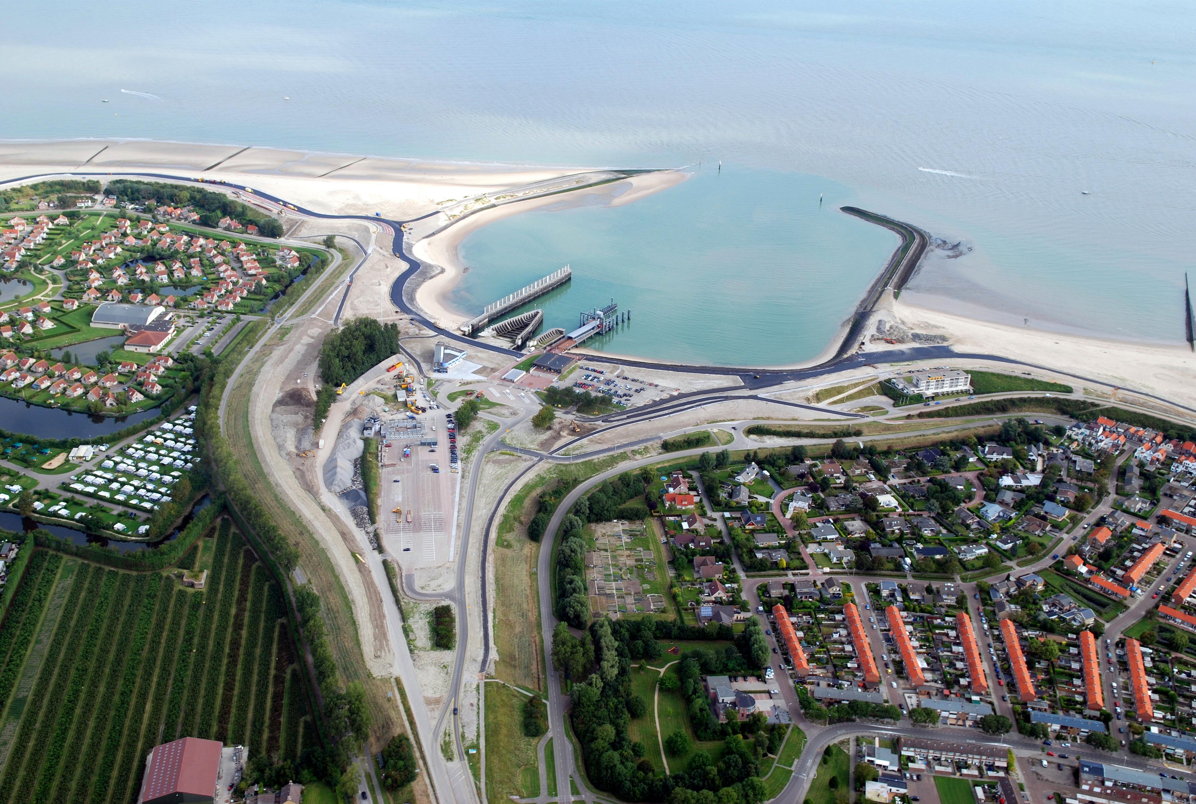 Luchtfoto van het kustversterkingsproject in Zeeland