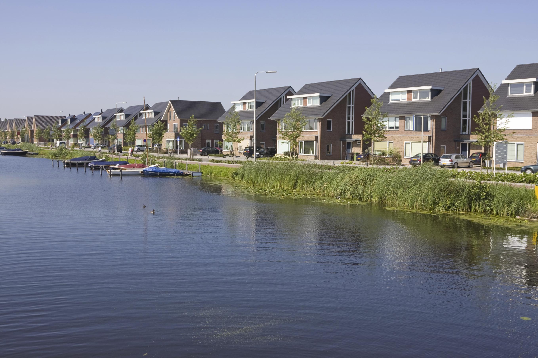 Stadswijk aan het water